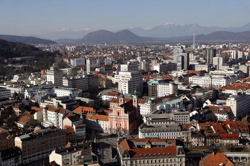 Slovenija otvara granicu sa Crnom Gorom i Italijom