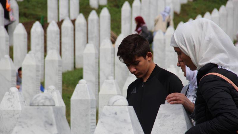 Smiraj za žrtve u Potočarima i pozivi da se zaustavi negiranje genocida