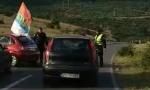 Smirena napetost u Podgorici: Policija SE POVUKLA PRED KUČIMA, Joanikijem i mitropolitom Amfilohijem (FOTO)
