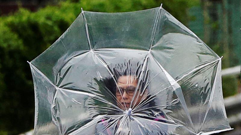 Snažan tajfun približava se ostrvima