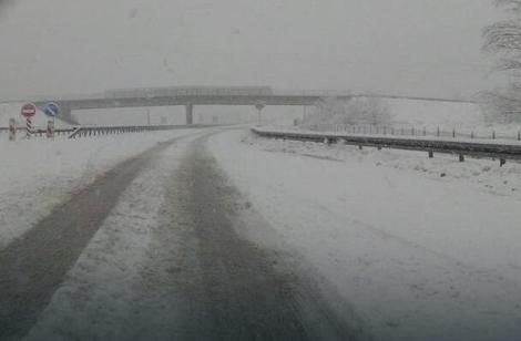 Sneg izazvao velike probleme košarkašima Zrinjskog