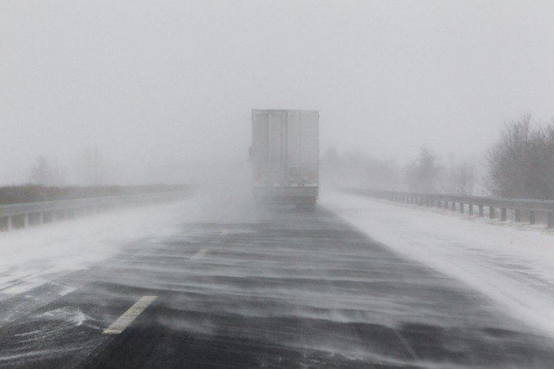 Sneg u Hrvatskoj, apel vozačima da ne kreću na put