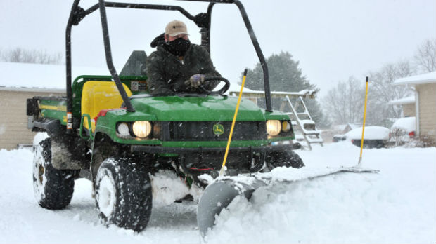 Snežna oluja pogodila SAD, pet osoba poginulo