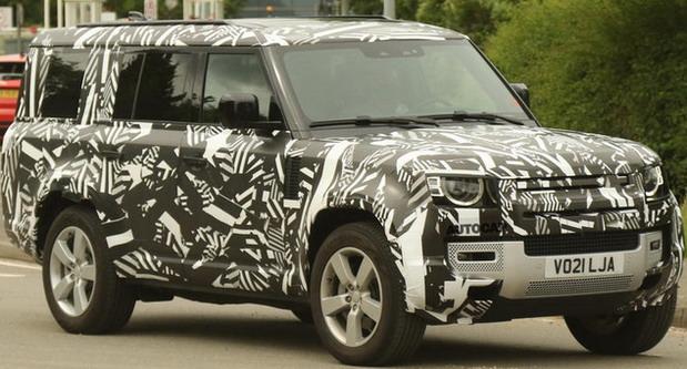 Snimljen produženi Land Rover Defender 130
