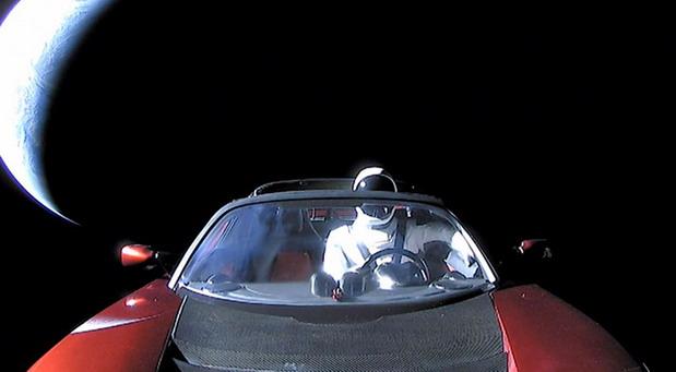 SpaceX Starman i Tesla Roadster obišli prvi krug oko Sunca