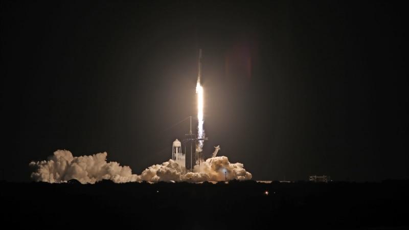 SpaceX lansirao prvu civilnu posadu u orbitu