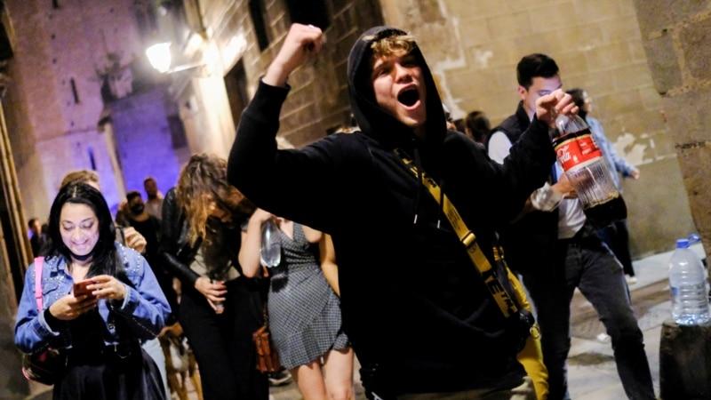 Španci na ulicama proslavili ukidanje vanrednog stanja