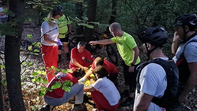 Spasen povredjeni biciklista na Fruškoj gori