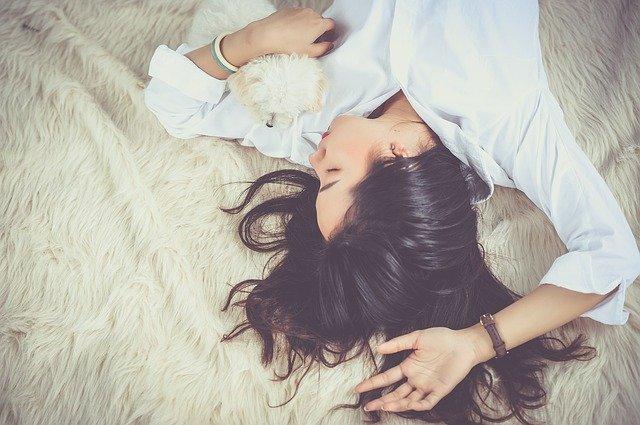 Spavanje na poslu postalo obavezno u Japanu