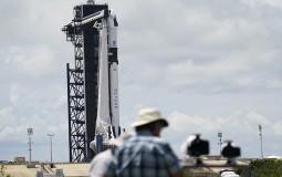 Letelica kompanije Spejseks s dvojicom astronauta lansirana u orbitu