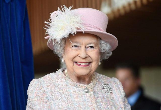 Spremite biografije: Kraljica Elizabeta zapošljava osobu zaduženu za društvene mreže