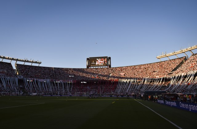 Sramota FIFA – Infantino zahtevao da se Superklasiko igra zbog novca!