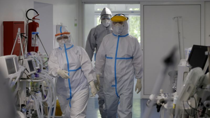 Srbija: Preminulo još 13 osoba, 299 novih slučajeva COVID-19