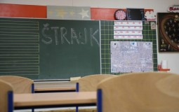 Sremska Mitrovica: Štrajk upozorenja prosvetnih radnika nakon što je učenik napao direktora škole