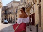 Srpkinja Žaklina (50) najzgodnija baka na svetu: Kupa se u luksuzu, a užasna tragedija obeležila je njen život