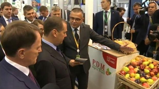 Srpska rakija za Medvedeva na sajmu u Moskvi