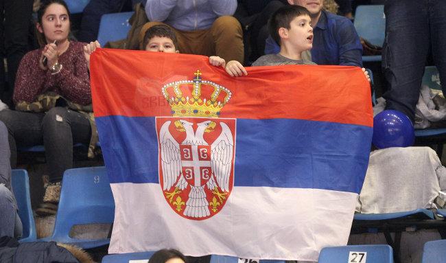 Srpske zastave na utakmici Češka - Kosovo