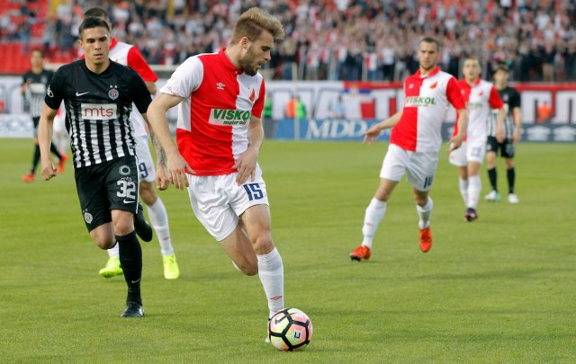 Srpski fudbaler na udaru: Da molim čoveka bez karaktera? Nema šanse!