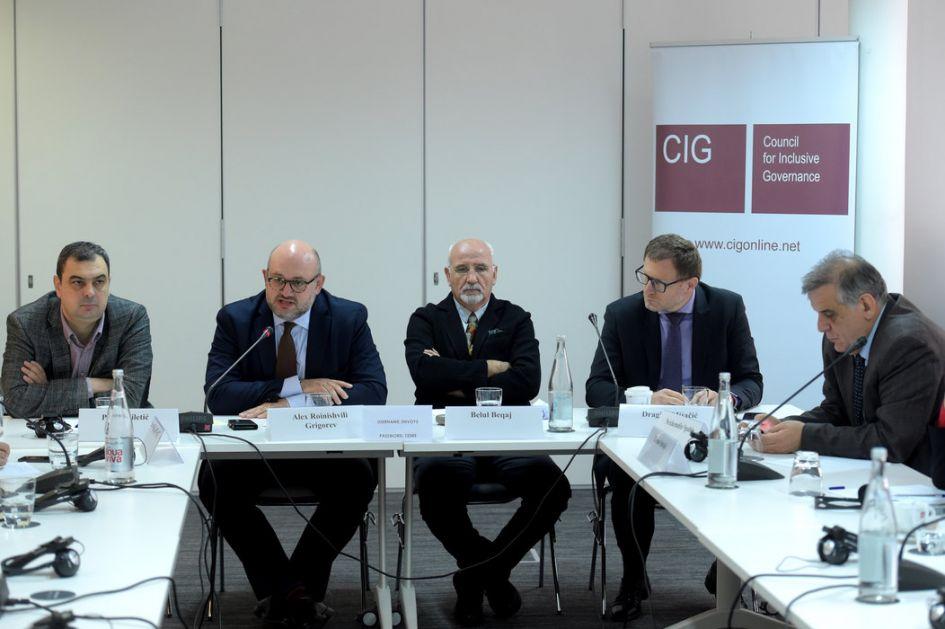 Srpski i albanski analitičari: Daleko od konačnog dogovora