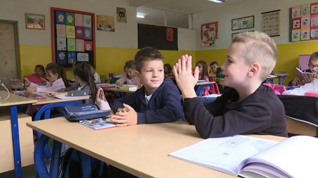 Srpski ili bosamski u novopazarskim školama