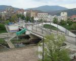 Srpski mladić izboden u blizini mosta na Ibru
