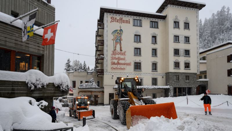 St Moritz: Karantin u dva hotela, zatvorene škole skijanja