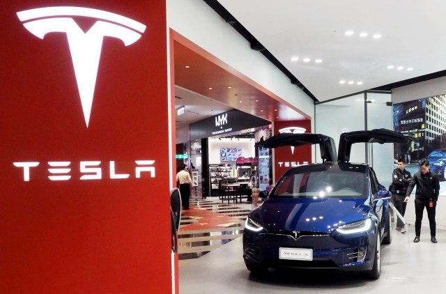 Šta će Tramp reći na ovo: Kompaniji Tesla odobrena proizvodnja automobila u Kini