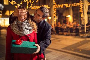 Šta odabir novogodišnjeg poklona vašeg partnera govori o njemu?