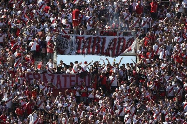 Stampedo na stadionu – predsednik Rivera u šoku VIDEO