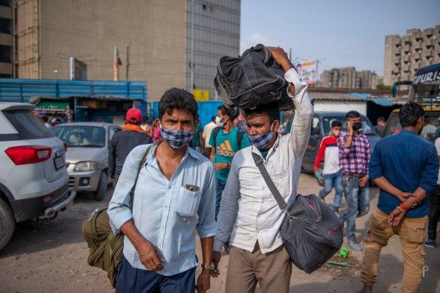 Stanari u strahu: Migrante pronalaze na svojim balkonima