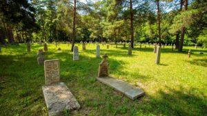 Staro vojničko groblje u Šumaricama – najstarije i najveće u Srbiji