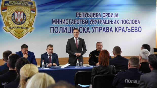 Stefanović: Svi moramo više raditi na smanjivanju maloletničkog nasilja i kriminala
