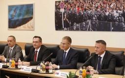 Stefanović i Pinter o unapređenju saradnje policija Srbije i Mađarske