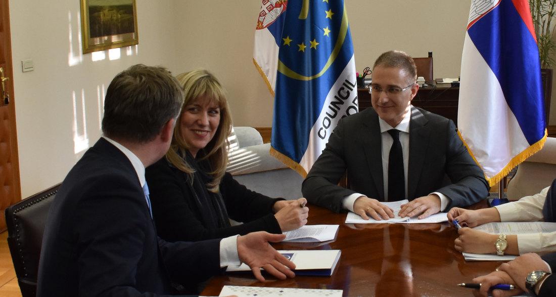Stefanović razgovarao sa Markovićevom o borbi protiv trgovine ljudima
