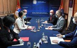 Stefanović sa ambasadorkom Kine Čen Bo: Srbija principijelno podržava politiku jedne Kine