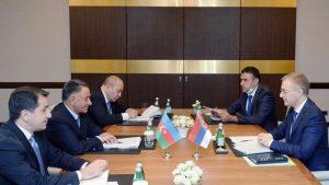 Stefanović sa predstavnicima Azerbejdžana o saradnji u oblasti bezbednosti