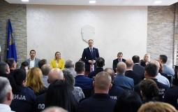 Stefanović u Zaječaru: Policajci mogu da očekuju povećanje već u decembru