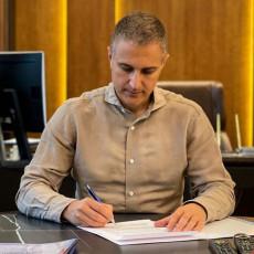 Stefanović uputio čestitke kineskoj armiji povodom Dana Narodnooslobodilačke armije (FOTO)