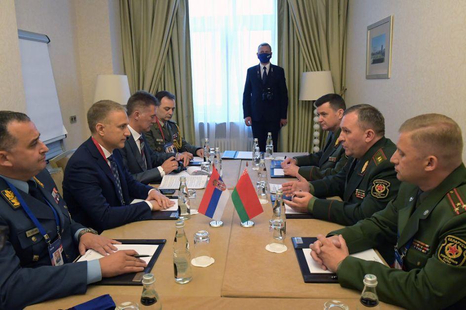 Stefanovića sa beloruskim kolegom, zahvalio za MiG-ove