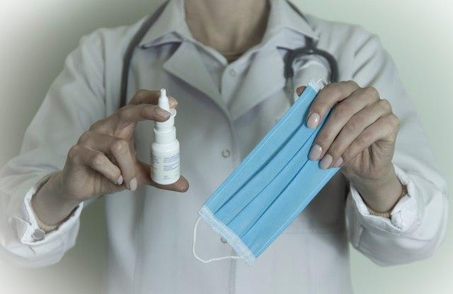Stiže alternativa injekciji - vakcina u obliku spreja za nos čeka treću fazu ispitivanja