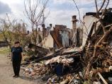 Stojiljkovići žive u mraku kraj zgarišta baraka izgorelih u požaru u Nišu, traže samo jednu sijalicu ispred kuće