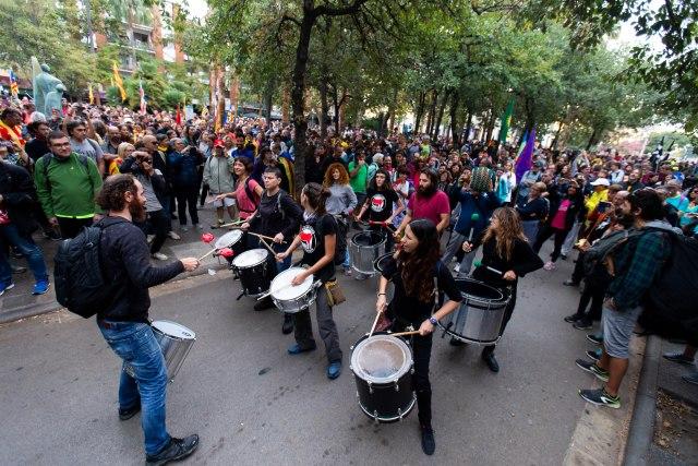 Stotine hiljada ljudi krenulo na proteste u Barseloni