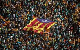 Stotine hiljada ljudi na protestu u Barseloni zahtevale nezavisnost Katalonije