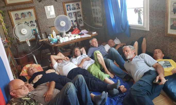 Štrajk ratnih veterana u Valjevu: Borci krvlju traže pravdu!