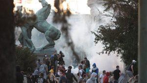 Strani mediji o protestima u Srbiji: Haotični sukobi na ulicama