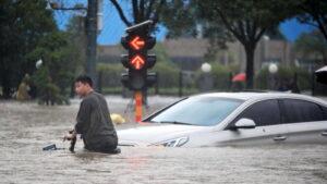 Strani novinari maltretirani tokom izveštavanja o poplavama u Kini