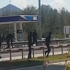 Stravičan snimak brutalnog obračuna Hrvata! Pretučeni navijači MOLILI ZA MILOST! (VIDEO)