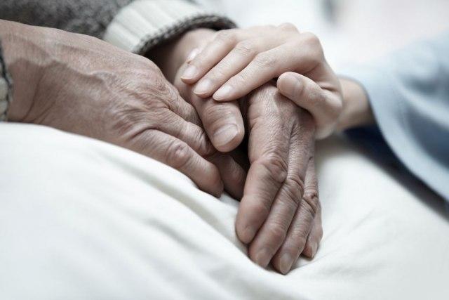 Studija: Starije osobe su se bolje nosile sa psiho-fizičkim stresom uzrokovanim pandemijom