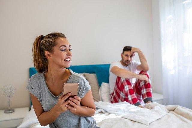 Sud naredio mužu da bivšoj ženi isplati 60.000 evra za kućne poslove
