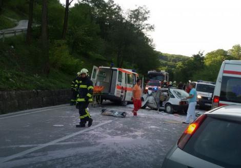 Sudar automobila i Hitne pomoći u Banjaluci: Teže povređen vozač forda